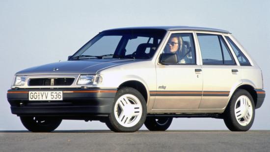 хэтчбек Opel Corsa A