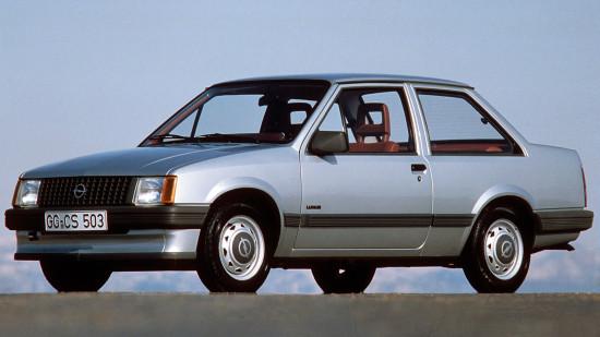 седан Opel Corsa A