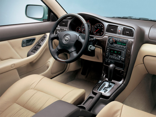 интерьер салона Subaru Outback 2 (2000-2003)