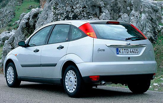 пятидверный хэтчбек Форд Фокус 1