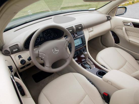 интерьер салона Mercedes-Benz C-класса (кузов 203)