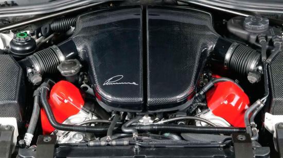 под капотом BMW M5 CLR 500 RS