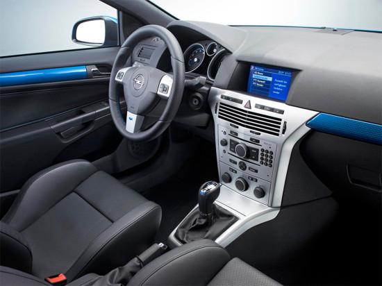 интерьер салона Opel Astra H OPC