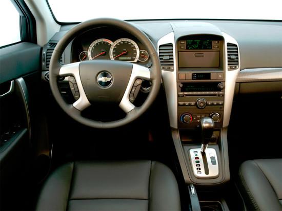 интерьер салона Chevrolet Captiva (2006-2011)
