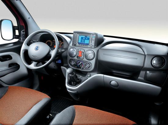в кабине Fiat Doblo 1 Cargo