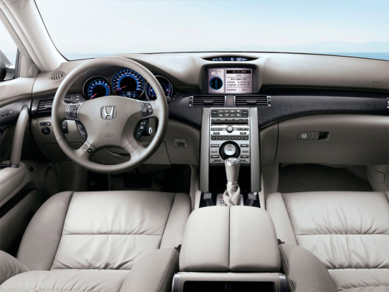 интерьер Honda Legend 4