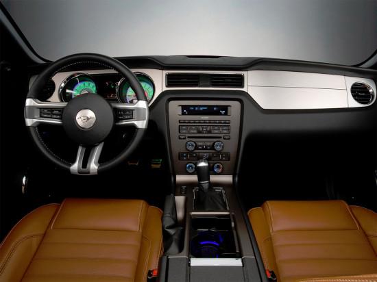 интерьер Ford Mustang 5
