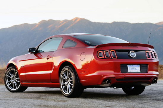 купе Ford Mustang 5