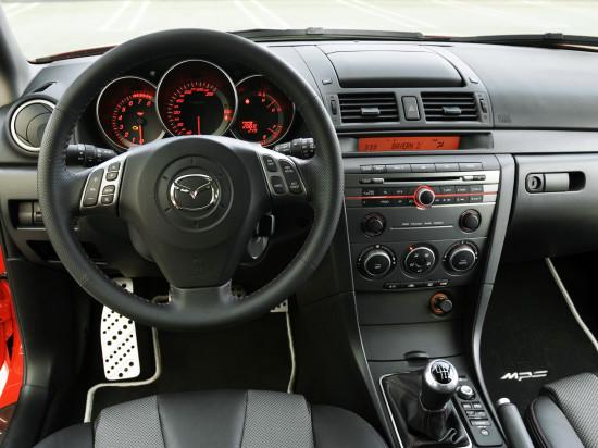 интерьер салона первого поколения Mazda3 MPS