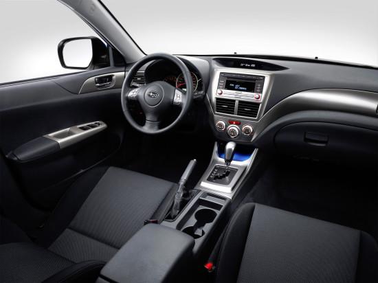 интерьер салона Subaru Impreza 3-го поколения