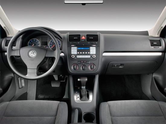 интерьер салона Volkswagen Jetta (A5, Typ 1K, 2005–2011) variant и sedan