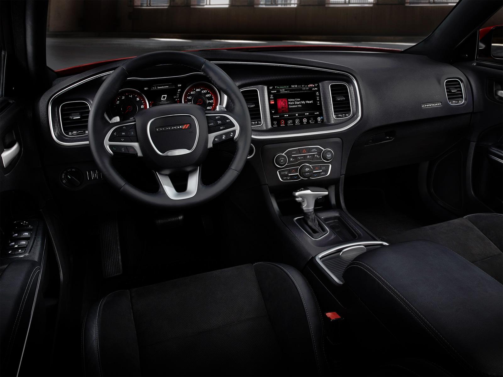 Картинки по запросу Dodge Charger GT 2020 салон