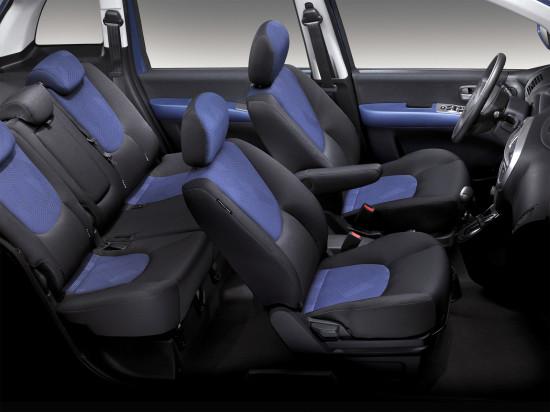 интерьер салона Hyundai Matrix