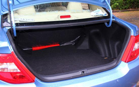 багажное отделение седана BYD F3