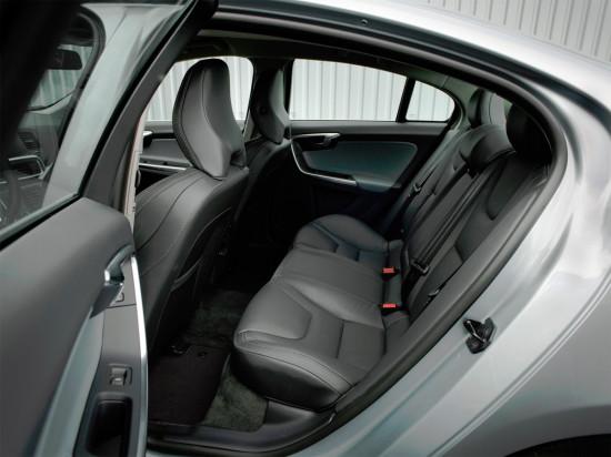 второй ряд сидений Volvo S60 2