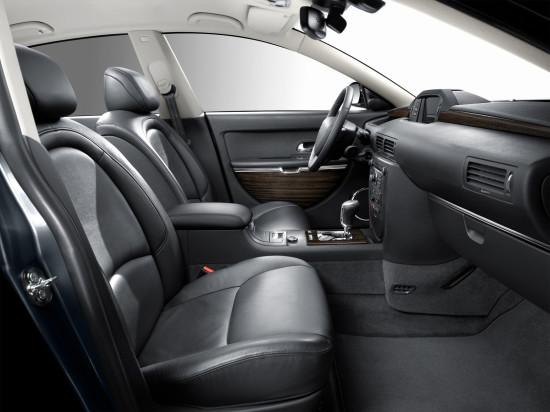 интерьер салона Citroen C6 (передние кресла)