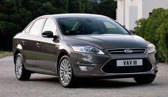 седан Ford Mondeo 2010-2014