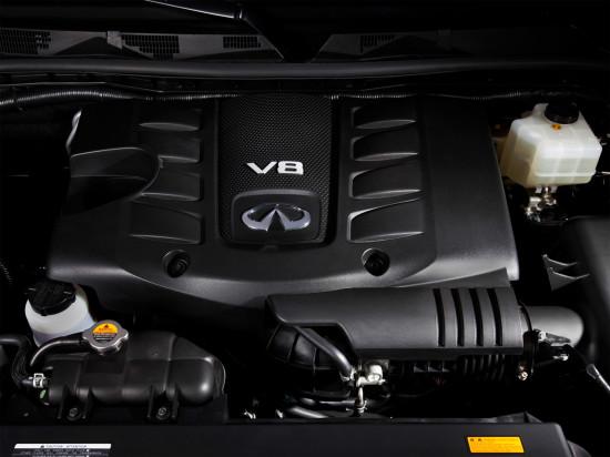 под капотом QX 56 Z62 бензиновый атмосферный V8