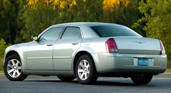 седан Chrysler 300 (2003-2010)