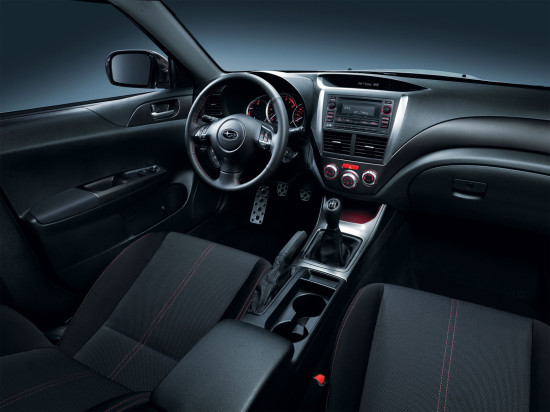 интерьер салона Subaru Impreza 3 WRX