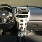 панель Mitsubishi i-MiEV