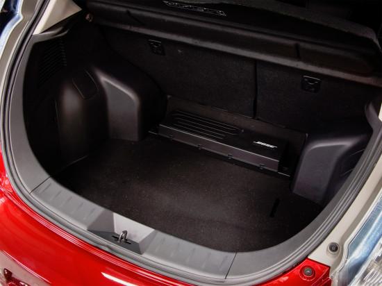 багажное отделение Nissan Leaf I