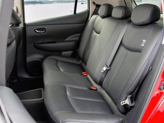 интерьер салона Nissan Leaf I