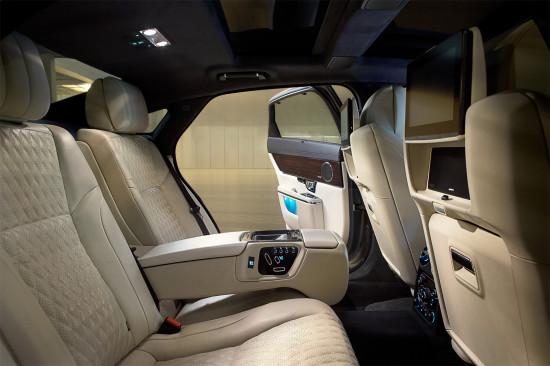 в салоне Jaguar XJ X351 2016
