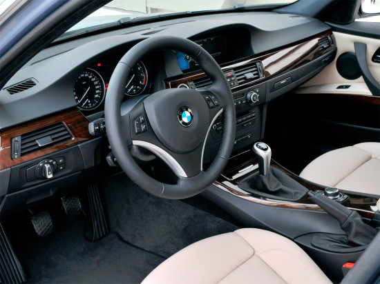 интерьер салона BMW 3-series E90