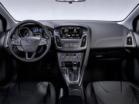 интерьер салона Ford Focus III Wagon 2015