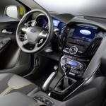 в салоне универсала Форд Фокус 3 2011-2014