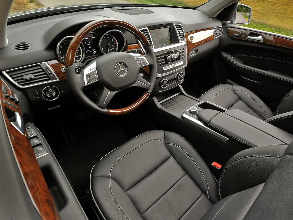 Обновленный кроссовер M-класса ML 350 от Mercedes