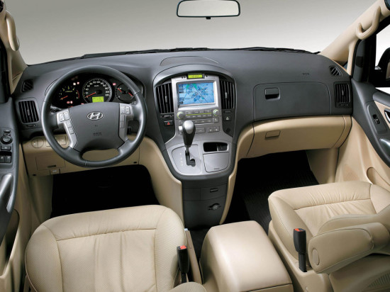 приборная панель и центральная консоль Hyundai H-1