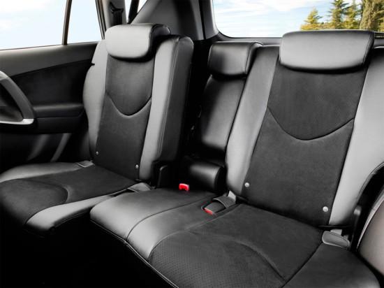 задние сиденья Toyota RAV4 3-го поколения