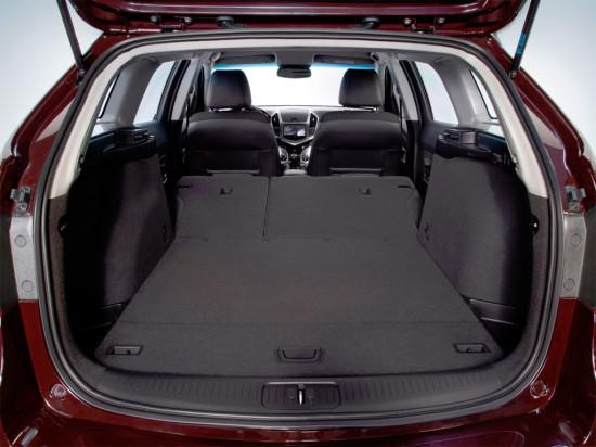 багажный отсек универсала Chevrolet Cruze