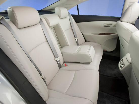 в салоне Lexus ES (2006-2012)