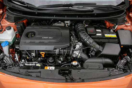 под капотом хэтчбека Hyundai i30 GD 2015 года