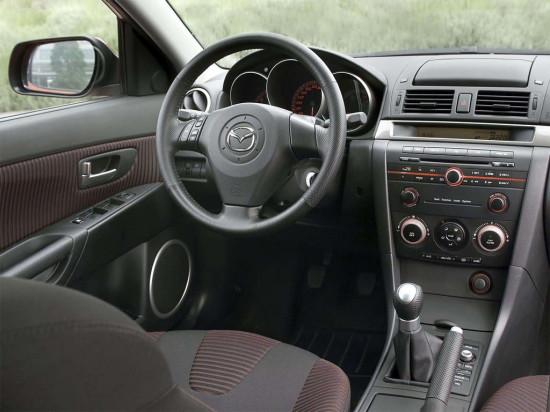 интерьер салона Mazda3 I
