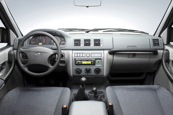 интерьер салона УАЗ Pickup (2008-2013)