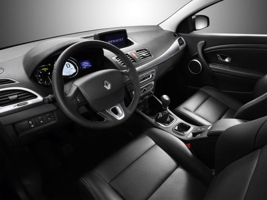 интерьер салона Renault Megane 3 Coupe