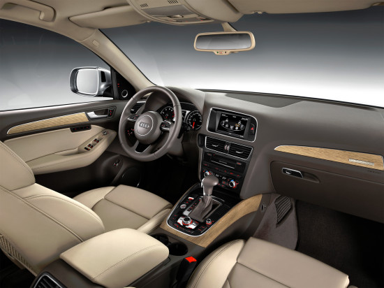 интерьер Audi Q5 8R