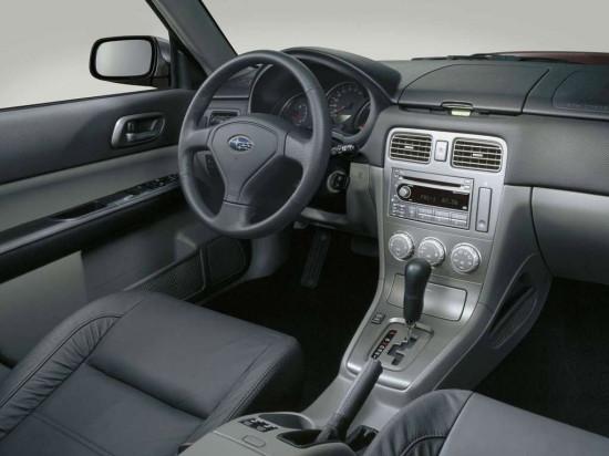 интерьер салона Subaru Forester SG II-е поколение