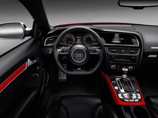 интерьер салона Ауди RS5 1-го поколения