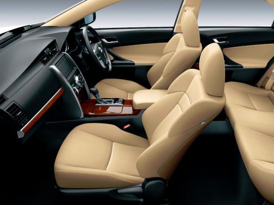 интерьер салона Toyota Mark X в 130-ом кузове