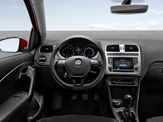 интерьер салона Volkswagen Polo 5