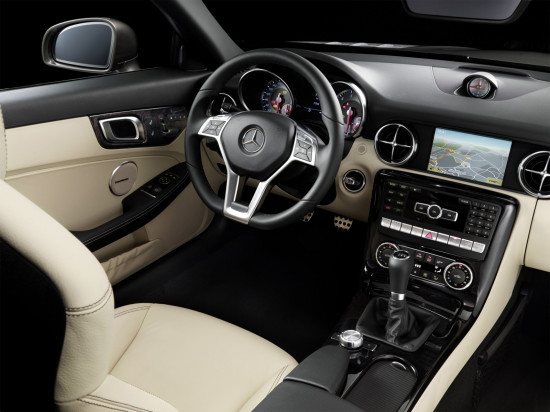 интерьер салона Mercedes-Benz SLK (R172)
