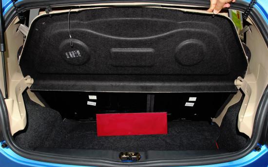 багажное отделение Джили ЛС