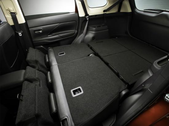 багажное отделение Mitsubishi Outlander 3