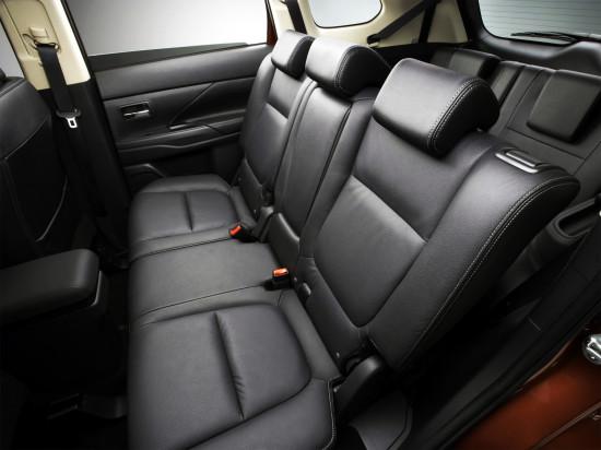 интерьер салона Mitsubishi Outlander 3