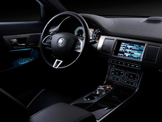 интерьер садана Jaguar XF 1-го поколения